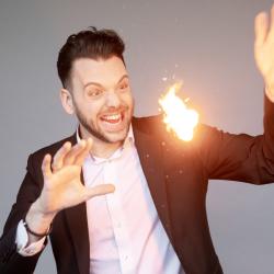 johnny-danger-zauberkunstler-magicien-backslide-41-1-e1581781025178